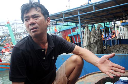 : Anh Thái Văn Duyệt đóng tàu vỏ thép gần 20 tỷ đồng, đi được 1 chuyến biển thua lỗ 300 triệu đồng và cho tàu nằm bờ. Ảnh: Đắc Thành