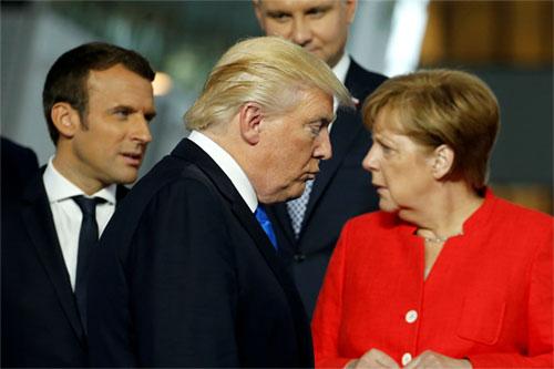 mot-ngay-gap-ca-ong-trump-va-obama-cua-thu-tuong-duc-merkel-1