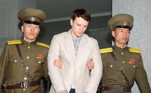 Otto Warmbier được đưa ra tòa án tối cao ở Triều Tiên hồi tháng 3/2016. Ảnh: Reuters.