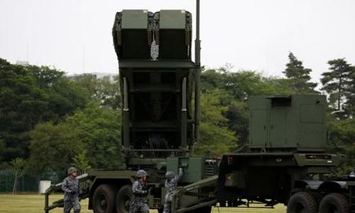 Lực lượng Phòng vệ Nhật Bản triển khai tên lửa PAC-3. Ảnh: Reuters