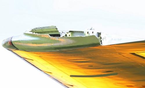 may-bay-cho-hon-300-khach-vo-canh-tren-khong-1