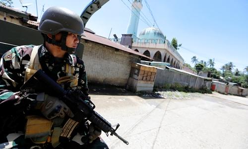 Binh sĩ Philippines tham gia chiến dịch diệt phiến quân Maute ở Marawi. Ảnh: Reuters.