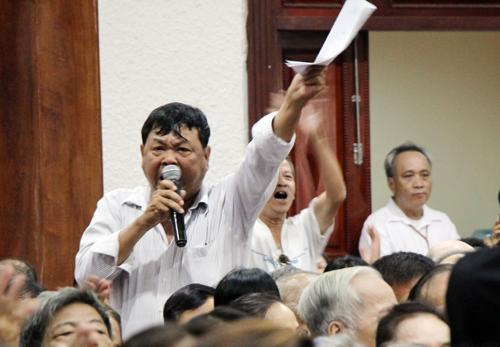 Ông Đoàn Ngọc Hải đối thoại với 1.500 hộ dân khu Mả Lạng