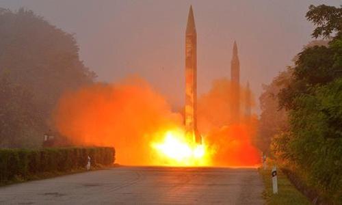 Một vụ phóng thử tên lửa của Triều Tiên năm 2016. Ảnh: Reuters