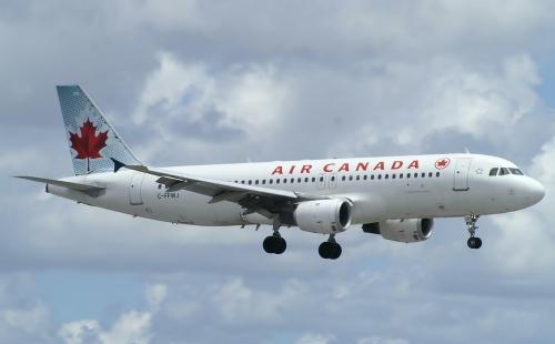 Một máy bay A320 của Air Canada. Ảnh: Planespotters.